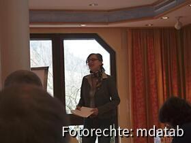 Frau Kehres über Honig Regionaler Imker.