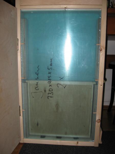 Seitenansicht bei geöffneter Türe